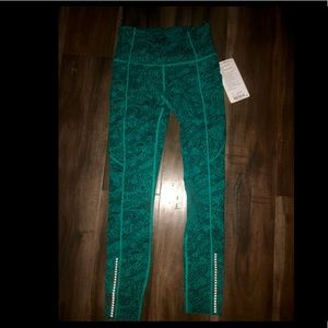 Lululemon Fast and Free 7/8 Tight II Sz6 NEW